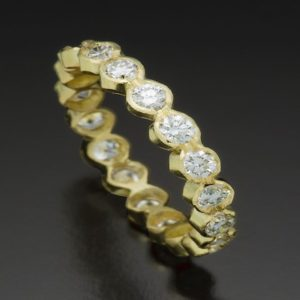 Diamond Wedding Ring in Gold