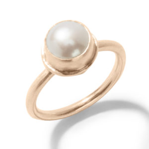 Gold Ring with White Pearl in Rose